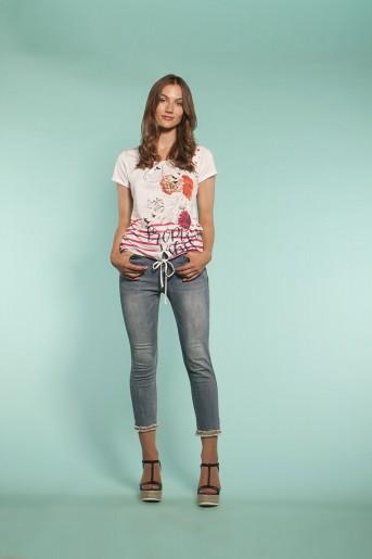 http://shop.sidecarweb.com/6549-thickbox/camiseta-mujer-adela.jpg
