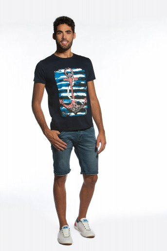 http://shop.sidecarweb.com/6851-thickbox/camiseta-hombre-chacao.jpg
