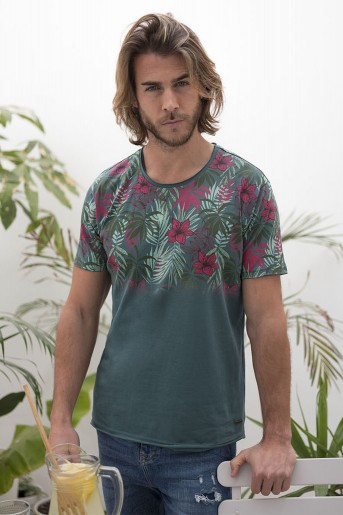 http://shop.sidecarweb.com/7907-thickbox/camiseta-hombre-benjamin.jpg